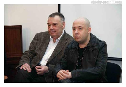 vstav-foto-goloy-zheni-i-poluchi-priz-devchonki